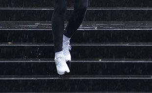 Une course d'escalier. Illustration.