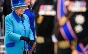 La Reine britannique Elizabeth II, lors d'une cérémonie à Tweedbank, à la frontière entre l'Angleterre et l'Ecosse, le 9 septembre 2015