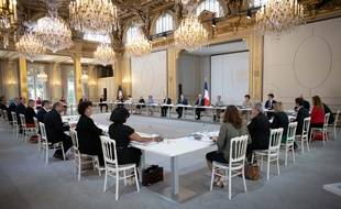 Emmanuel Macron, président de la République entoure de ses ministres le 7 juillet dernier.