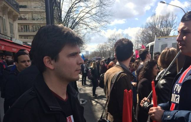 Julien, 25 ans. Salarié aux mouvement des jeunes communistes français.