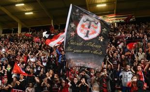 Des supporters au stade Ernest-Wallon lors de la rencontre entre Toulouse et le Stade Français, le 4 octobre 2014.