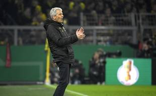 Lucien Favre sur le banc de Dortmund face à Mönchengladbach.