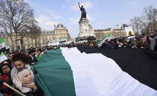 Manifestation à Paris à l'occasion du 4e anniversaire du déclenchement de la guerre en Syrie, le 14 mars 2015.