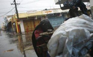 L'ouragan Dean a provoqué de nombreux dégâts dans les rues de Kingston, en Jamaïque