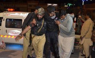 Au moins 20 personnes ont été tuées dans une attaque contre une école de police au Pakistan, dans la nuit du 24 au 25 octobre.