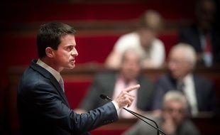 Le Premier ministre Manuel Valls ouvre les débats à l'Assemblée sur la prolongation de l'état d'urgence, le 19 juillet 2016.