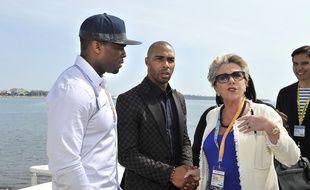 Françoise Laborde au MipTv de Cannes, en avril 2014, aux côtés du rappeur 50 Cent et de l'acteur Omari Hardwick.