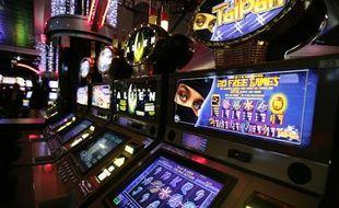 Des machines à sous dans un casino de la ville de Toulouse, en octobre 2007