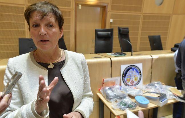 La procureur de la République de Bordeaux Marie-Madeleine Alliot a expliqué que 11 personnes avaient été interpellées.