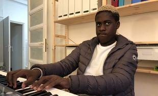 Mourad, le jeune prodige du piano a sorti son premier album le 8 novembre.