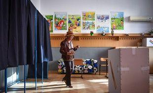 Un grand nombre d'électeurs se sont abstenus lors du référendum pour l'inscription dans la Constitution roumaine de l'interdiction du mariage homosexuel. Ici à  Branesti, un village de Roumanie, le 6 octobre 2018.
