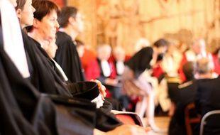 Illustration d'avocats ici dans une salle d'audience de la cour d'appel de Rennes.