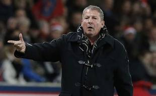 Rolland Courbis lors du match entre le PSG et Montpellier le 20 décembre 2014.