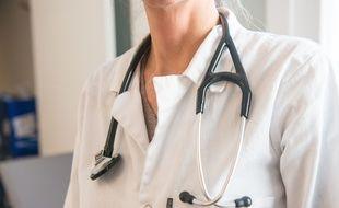 Image d'illustration d'une médecin.