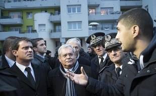 Manuel Valls, le 6 janvier 2014, en déplacement en Seine-Saint-Denis.