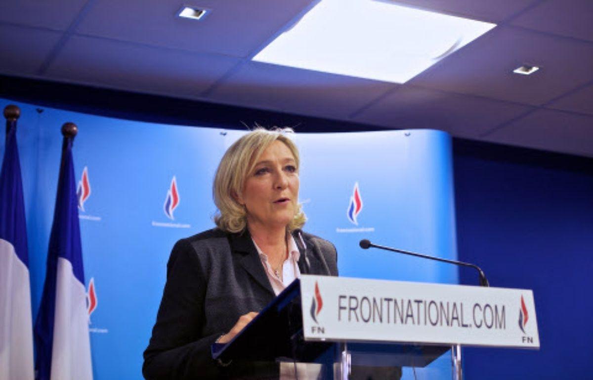 Marine Le Pen donne une conférence de presse à Nanterre après les résultats du second tour des municipales, le 30 mars 2014. –  COLLOT/SIPA