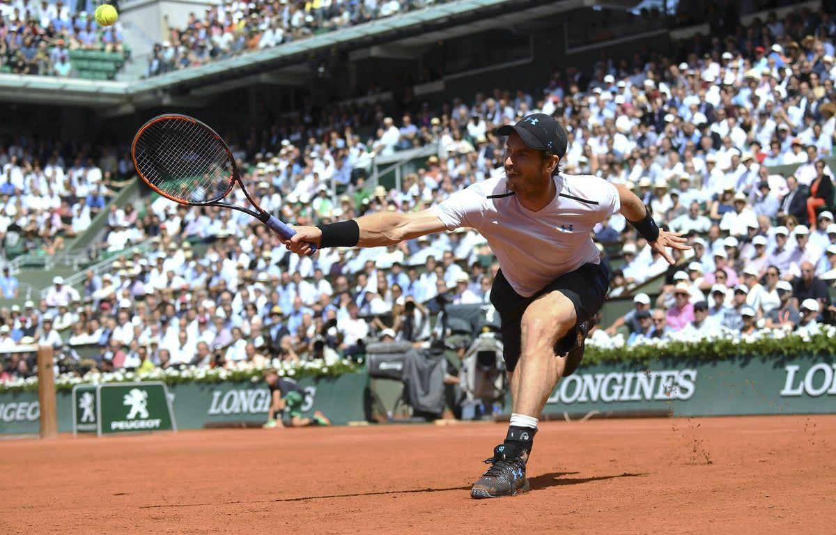 Andy Murray face à Stan Wawrinka, en demi-finale de Roland-Garros, vendredi 9 juin 2017. – GABRIEL BOUYS / AFP