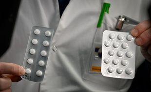 Des plaquettes de médicaments contenant de la chloroquine ou de l'hydroxychloroquine. (Illustration)