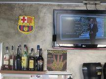 L'intérieur du bar El Tupi, à Llívia.
