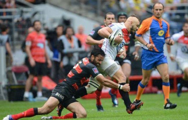 Le Stade Toulousain et le RC Toulon étaient à égalité 9 à 9 à la mi-temps de la finale de l'édition 2011-2012 du Top 14 de rugby, samedi au Stade de France.