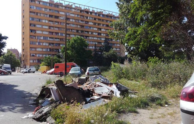 Marseille: Les squatteurs de l'immense copropriété dégradée du Parc Corot évacués lundi
