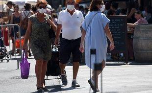 L'obligation du port du masque en extérieur se généralise un peu partout en France.