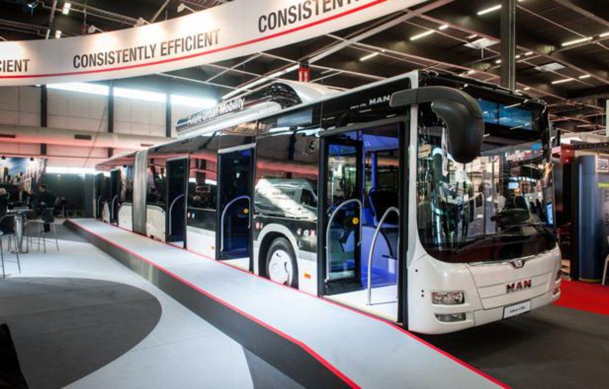 Le bus au Gaz naturel pour véhicules de chez MAN, présenté au salon du transport à Bordeaux, le 27 novembre 2013  – S.ORTOLA/20MINUTES