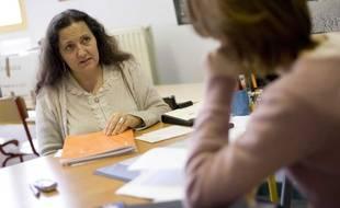 Illlustration : Les assistantes sociales protestent contre la refonte de leur diplôme.