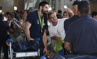 Nikola Karabatic au retour des handballeurs après les JO de Rio, le 23 août 2016.