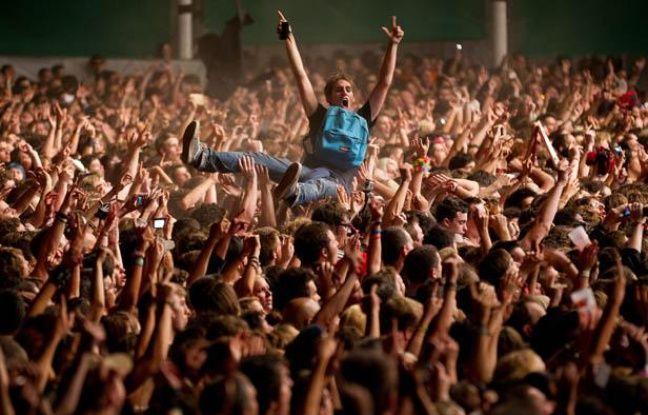 Le festival Rock en Seine, qui s'achève dimanche soir avec un concert de Green Day, a battu son record de fréquentation pour sa dixième édition avec plus de 110.000 spectateurs, a annoncé son directeur François Missonnier lors d'une conférence de presse.