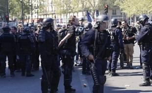 Le journaliste indépendant Gaspard Glanz, interpellé place de la République le 20 avril 2019 à Paris, lors d'une manifestation des