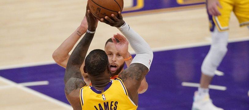 LeBron James a donné la victoire aux Lakers face aux Warriors, le 19 mai 2021.