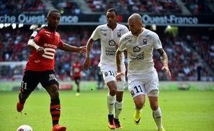 Le Rennais Wesley Saïd (à g.) a inscrit le premier but de sa carrière en Ligue 1 contre Caen.