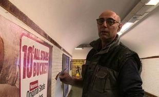 Didier Saux afficheur dans le métro parisien