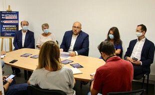 Philippe Vardon (RN) en conférence de presse entouré d'élus de son groupe pour parler de l'insécurité à Nice.