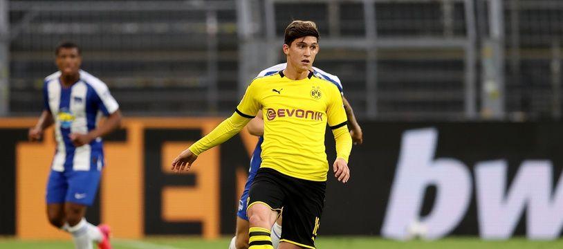 Leonardo Balerdi, ici le 6 juin sous les couleurs du Borussia Dortmund lors d'un match de Bundesliga face au Hertha Berlin.