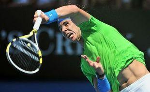 Rafael Nadal, Victoria Azarenka et Agnieszka Radwanska se sont qualifiés au triple galop pour les quarts de finale de l'Open d'Australie, où la Bélarusse et la Polonaise seront opposées, dimanche à Melbourne.