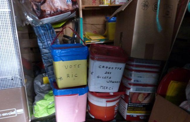 Les urnes pour récolter les bulletins du RIC communal.