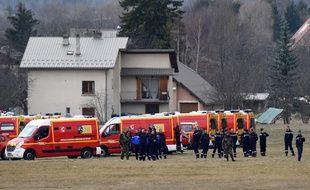 Les secours à Seyne près des lieux de l'accident de l'avion de la Germanwings, le 24 mars 2015.