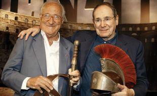 Alain Decaux et Robert Hossein en juin 2005, un an avant la première de leur Ben-Hur au Stade de France.