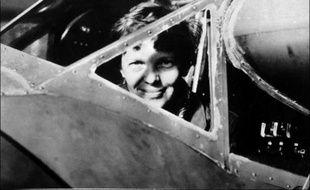 Avec certains indices - un petit pot de crème, une lame de couteau - et beaucoup d'hypothèses, une équipe de passionnés part le 2 juillet dans le Pacifique sur la piste d'Amelia Earhart, 75 ans après la disparition en mer de la célèbre aviatrice américaine.