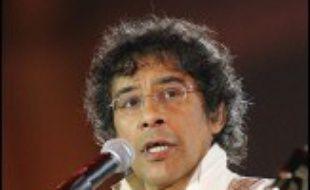"""Laurent Voulzy sortira le 26 juin son nouvel album, """"La septième vague"""", uniquement constitué de reprises de groupes ou artistes comme la Brésilienne Astrud Gilberto, les Américains The Doors ou Etienne Daho, a-t-il indiqué vendredi."""