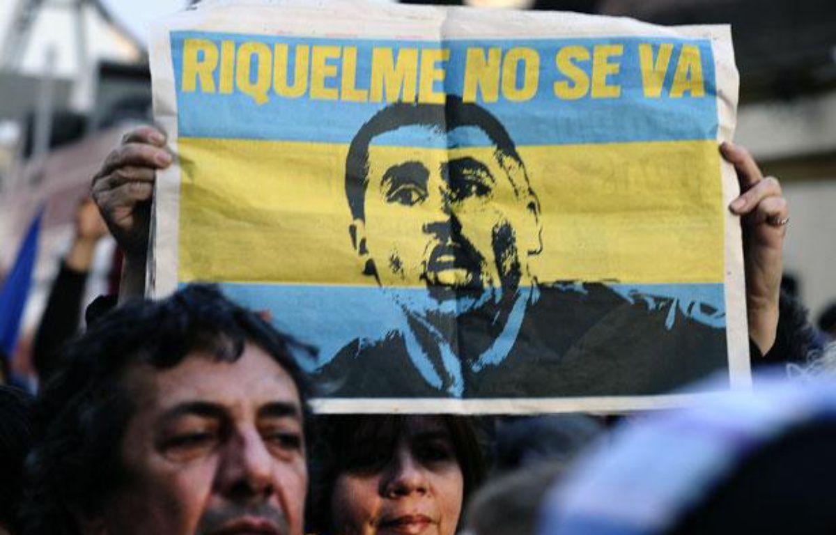 Des ssupporters de Boca Juniors manifestent à Buenos Aires pour éviter le départ du club de Juan Ramon Riquelme, le 9 juillet 2012. – ALEJANDRO PAGNI / AFP
