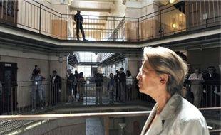 Michèle Alliot-Marie aurait prévu de légiférer par ordonnance en cas de pandémie.