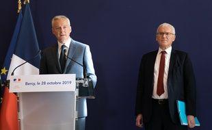 Bruno Le Maire et Jean Bernard Lévy, PDG d'EDF, lors de la remise du rapport sur l'EPR de Flamanville, le 28 octobre 2019.