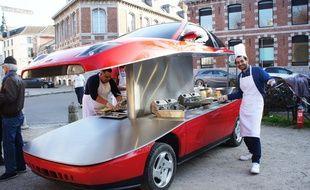 Benedetto Bufalino et sa Fiat Coupé friterie.
