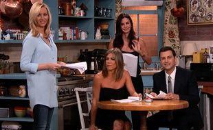 Lisa Kudrow, Jennifer Aniston, Courteney Cox et Jimmy Kimmel, mercredi 27 août 2014, à Los Angeles.