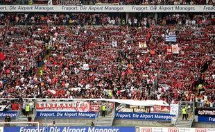 Les supporters de l'Eintracht Francfort dans leur stade.
