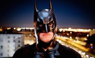 Barnabé Crenn, ici déguisé en Batman attend avec impatience d'aller visiter les enfants malades.