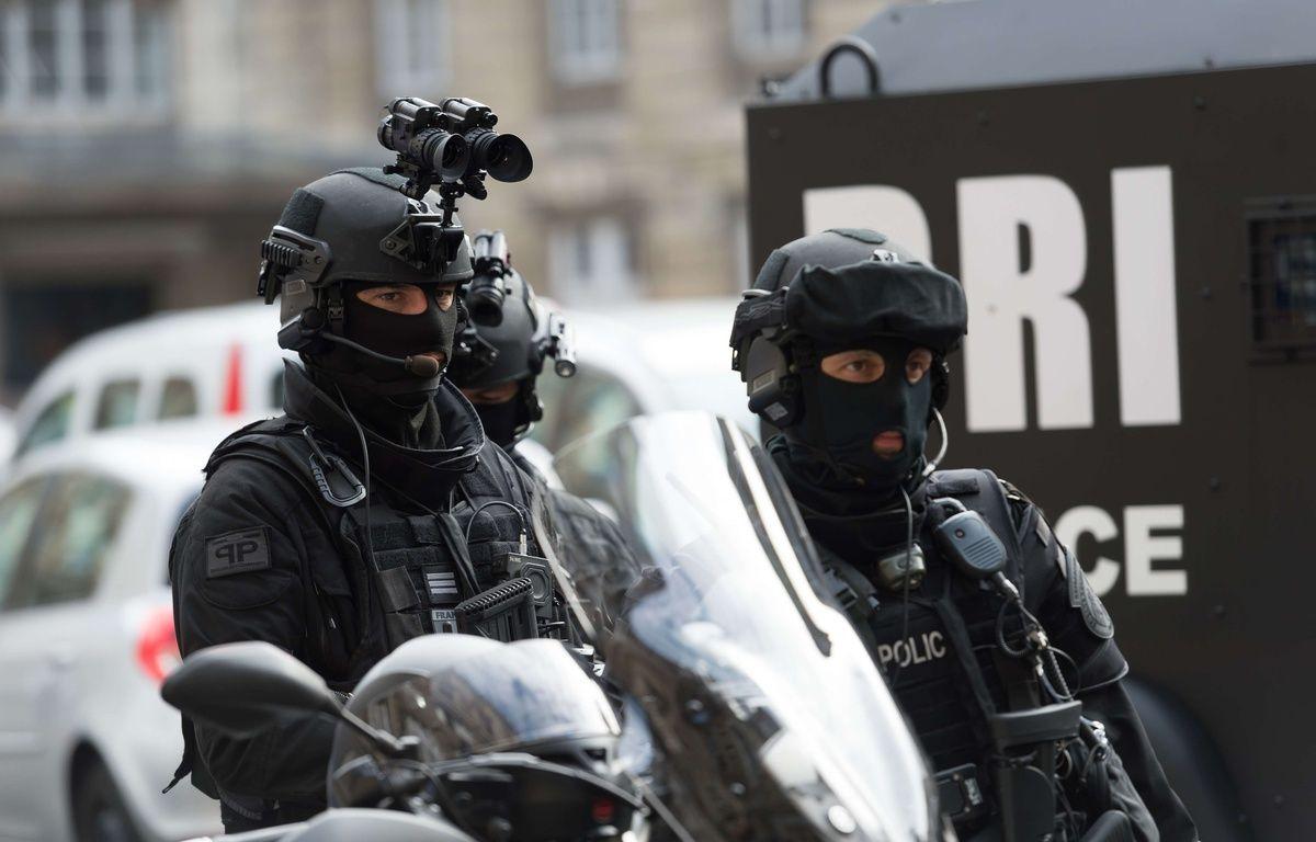 (Photo d'illustration) Des policiers de la BRI, le 1er septembre 2017 à Paris. – SIPA